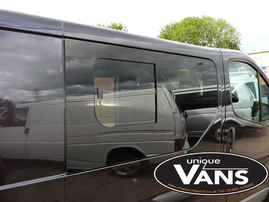 Renault-Trafic-Nissan-Primastar-Vauxhall-Vivaro-Leisure-Vehicle-Windows-Half-Sliding-Privacy-Bonded-Fixed-Glass.jpg