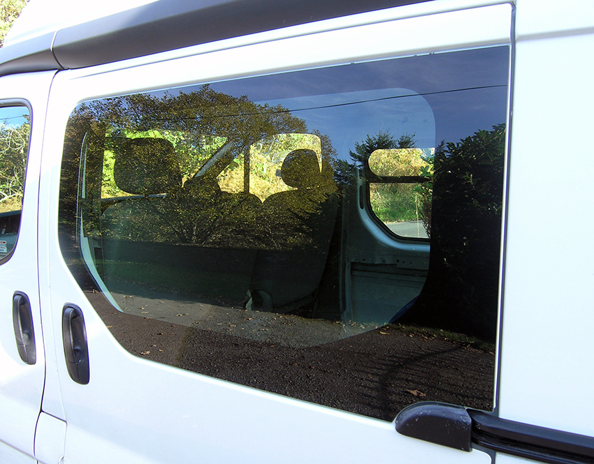 Renault-Trafic-Vauxhall-Vivaro-Nissan-Primastar-2001-2014-Fixed-Side-Window-Oem-Light-Green.jpg