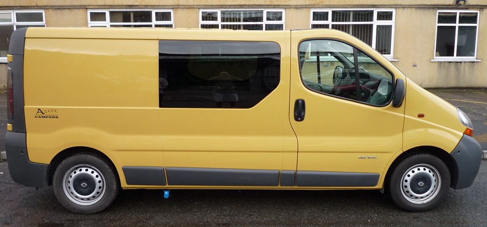 Vauxhall-Vivaro-Renault-Trafic-Nissan-Primastar-Bonded-Van-Windows-Privacy-Glass.jpg