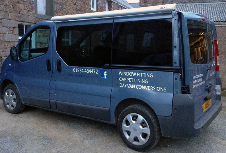 Vauxhall-Vivaro-Renault-Trafic-Nissan-Primastar-SWB-Bonded-Van-Windows-Privacy-Glass.jpg